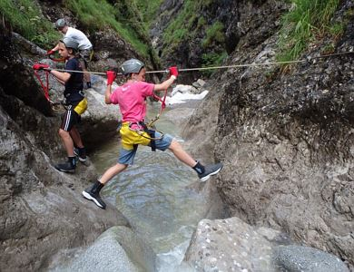 Creative summer workshop - canyon climbing