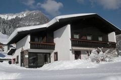 Haus Brunelle im Winter
