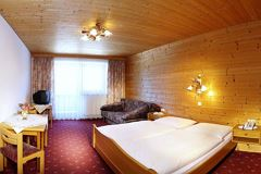 double room with shower or bath tube, W