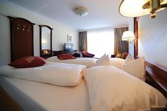 double room with shower or bath tube,
