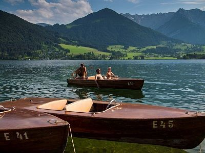 Hire a powered boat at Walchsee, Zahmer Kaiser Tirol Austria